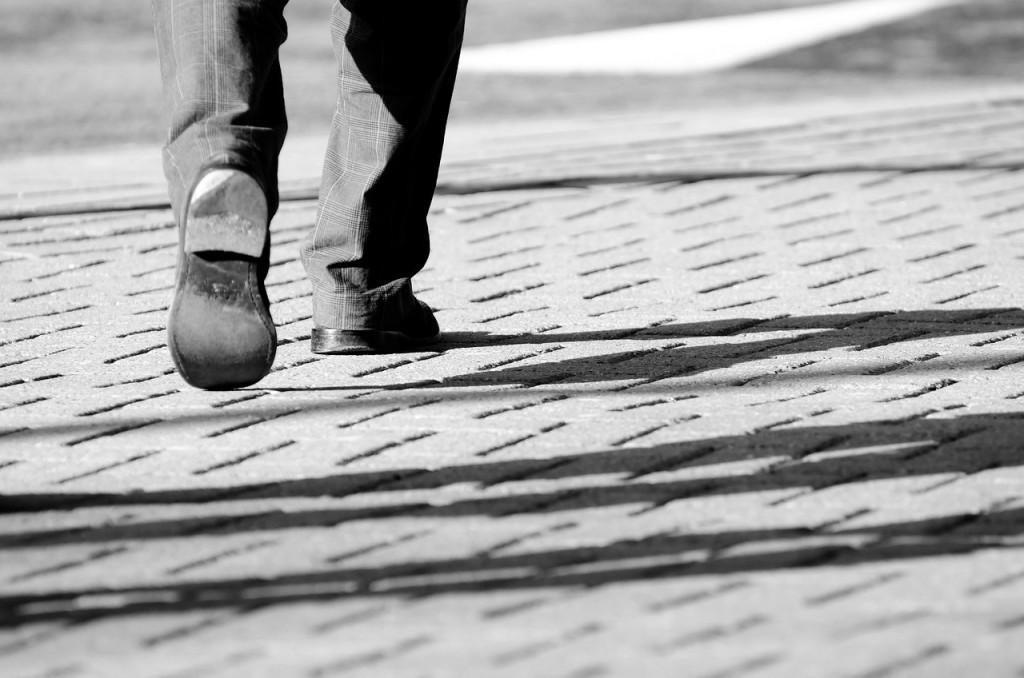 Walking_Anug